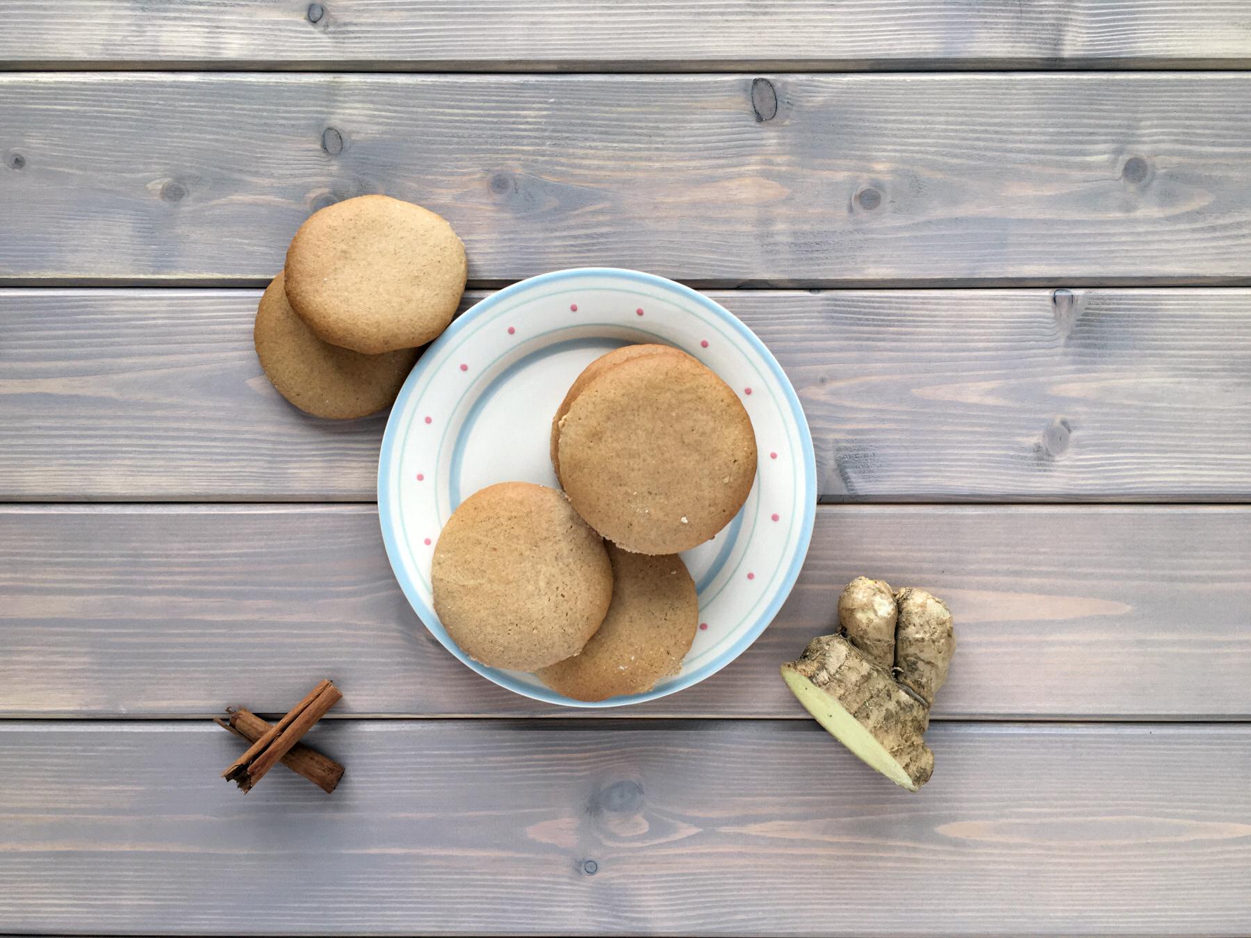 Refined Sugar Free Gingerbread Cookies Cakezero Sugar Free Cakes Cookies Sweet Treats